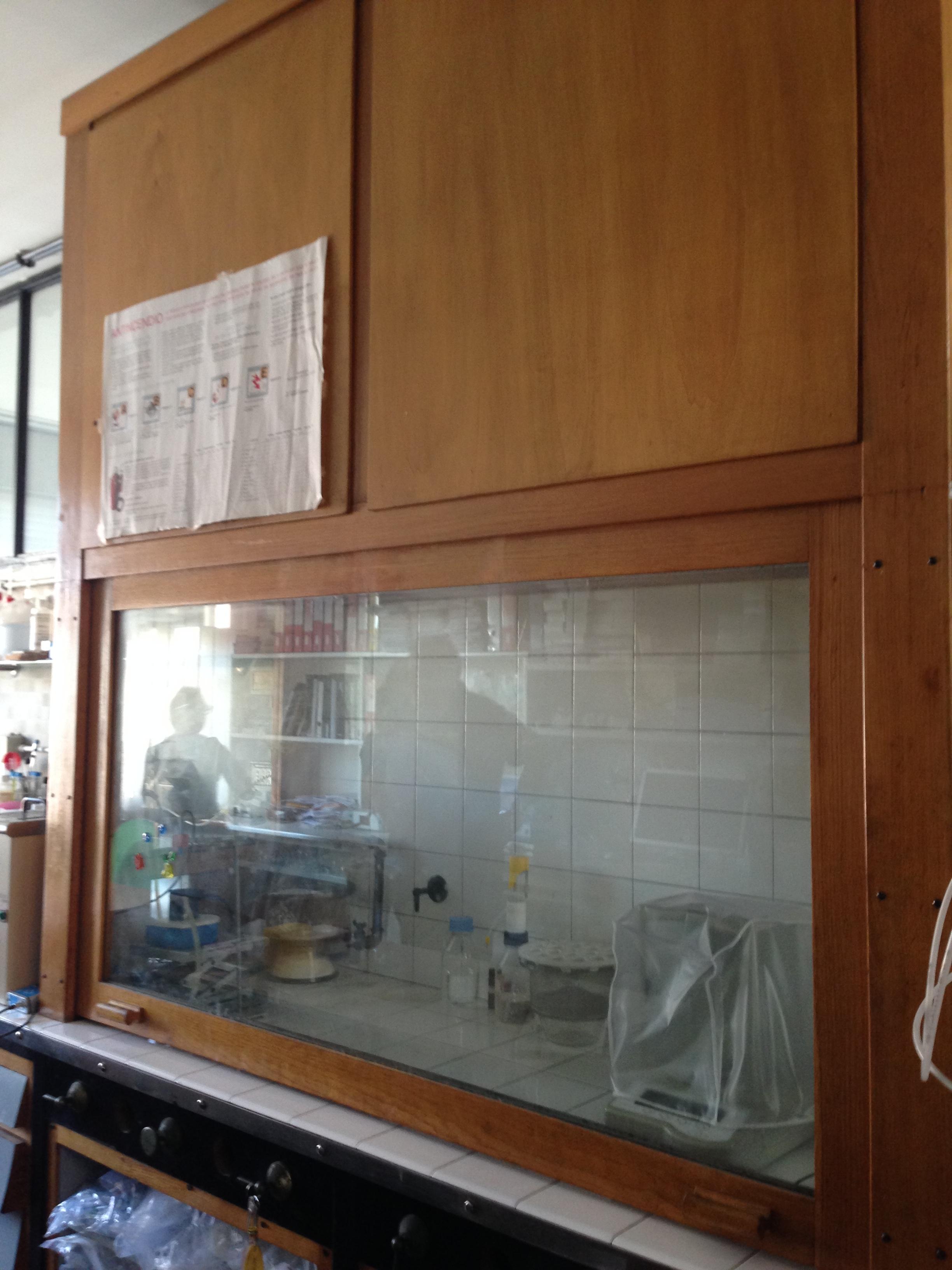 cappa chimica da laboratorio